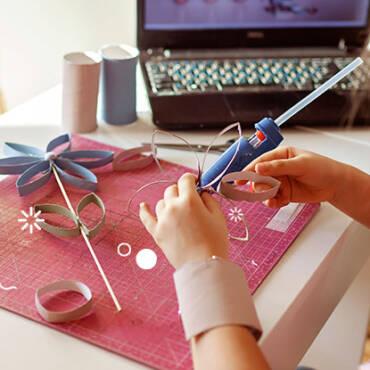 Actividades para los niños: Flores con material reciclable